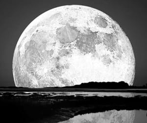 lune and photographie image