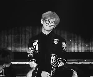 aesthetic, black and white, and boy image