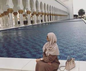 dress, Dubai, and fashionista image