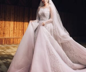 bride, fashion, and Queen image
