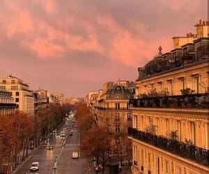 appartement, ciel, and clouds image
