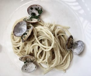 pasta, fresh taste, and vongole image