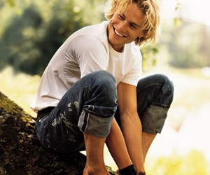 heath ledger, smile, and actor image