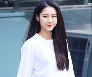OMG, kim jiho, and oh my girl image