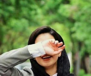صور , بُنَاتّ, and ضحكه image