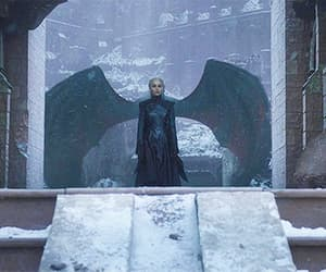 gif, game of thrones, and daenerys targaryen image