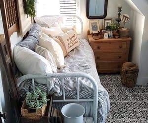 Small room? No problem! Details ☁️✨ c: tb: roomdecorforteens