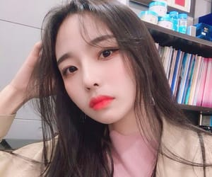 girl, korean, and selca image