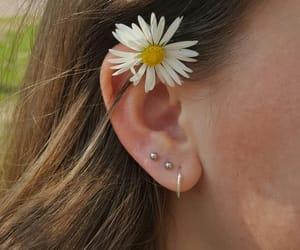 ear, lobe, and sieraden image