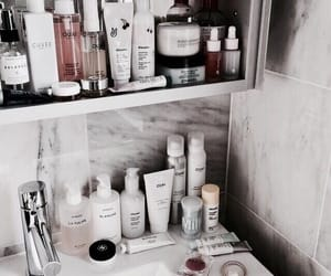 article and skincare routine image