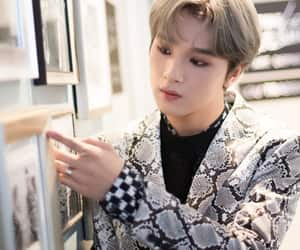 idol, kpop, and haechan image