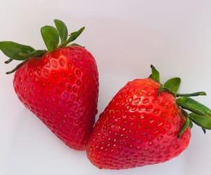 food, fresa, and fresas image