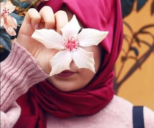 flowers, girls, and بُنَاتّ image