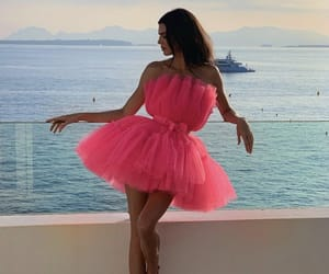 kendall jenner, fashion, and pink image