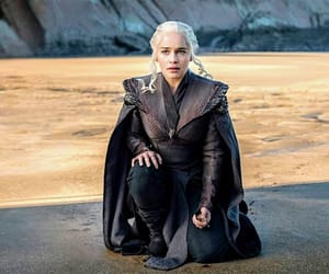 outfit, mother of dragons, and season 7 image