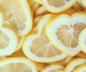 amarillo, lemon, and corazón image