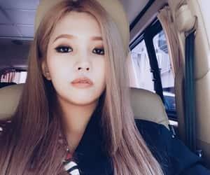 jeon soyeon, cho miyeon, and seo soojin image