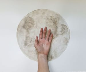 moon, aesthetic, and hand image