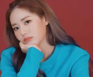 gg, jiwon lq, and girl group image