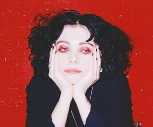 heather baron gracie and pale waves image