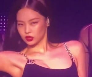 bp, pic, and jennie image