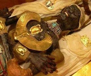 pharaoh king tut and egiyptian mummy image