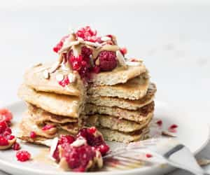 pancakes and how to make pancakes image