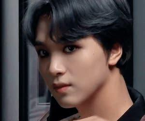 boy, jungwoo, and yuta image