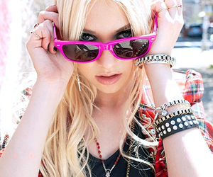 Taylor Momsen, pink, and pretty image