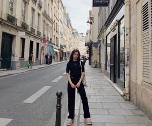 aesthetic, girl, and paris image