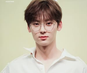 korean, hwang minhyun, and wanna one image