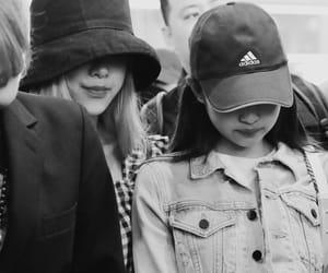 rose and jennie kim image
