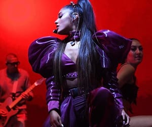 tour, ariana, and swt image