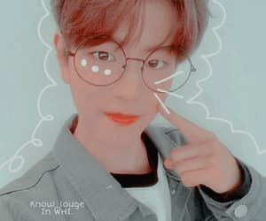 Icon Seungmin of Skz. Credits know in whi please.