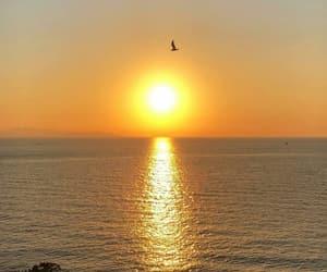 mar, grecia, and ao nascer do sol image