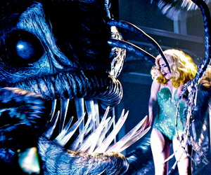 Lady gaga, live, and the fame monster image