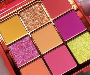 eyeshadow and palette image