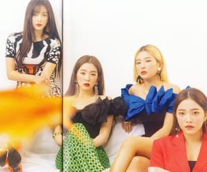 red velvet and sappy image
