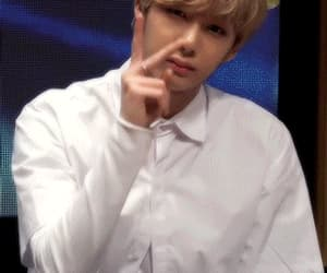 hyungwon and gif image