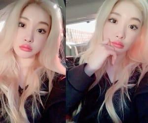 blonde, kim chungha, and kpop image