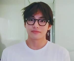 asian, v, and tae image