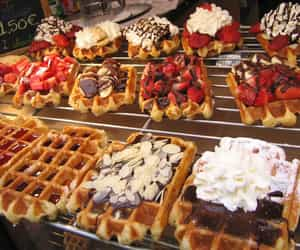 waffles, chocolate, and strawberry image