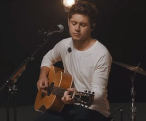 acoustic guitar and niall horan image
