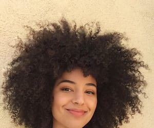 natural hair, frizzy hair, and kinky curly hair image