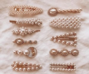 accessories, hair, and pearls image