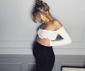 pregnant and fashion image