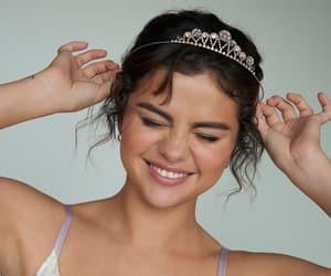 selena gomez, Queen, and beauty image