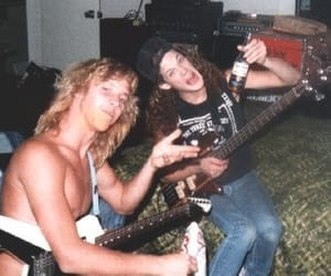 bassist, kirk hammett, and James Hetfield image