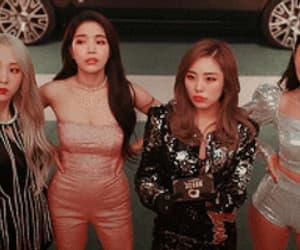 aesthetic, kpop gif, and kpop mv image