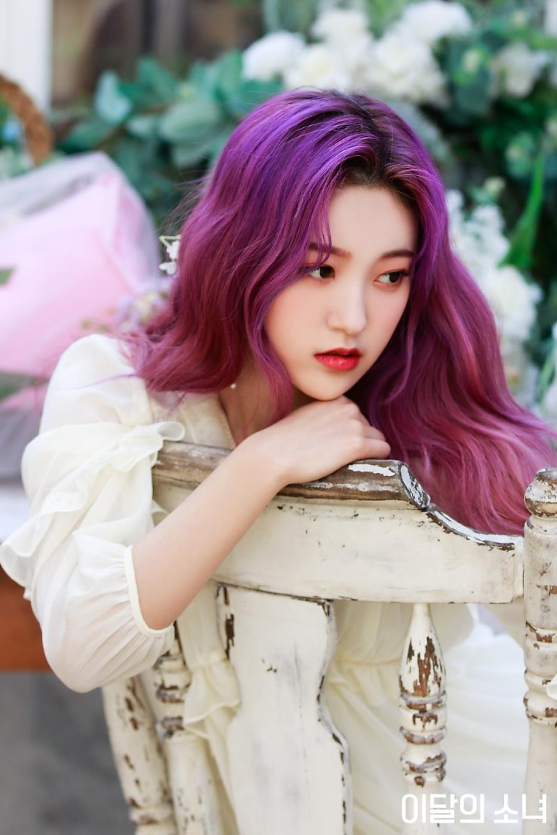 choerry, loona, and kpop image